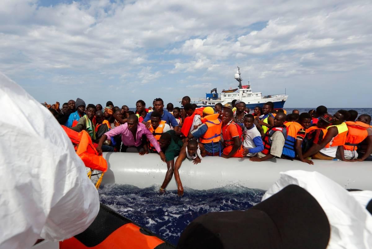 Raffica di sbarchi a Lampedusa: quasi 700 clandestini in 24 ore