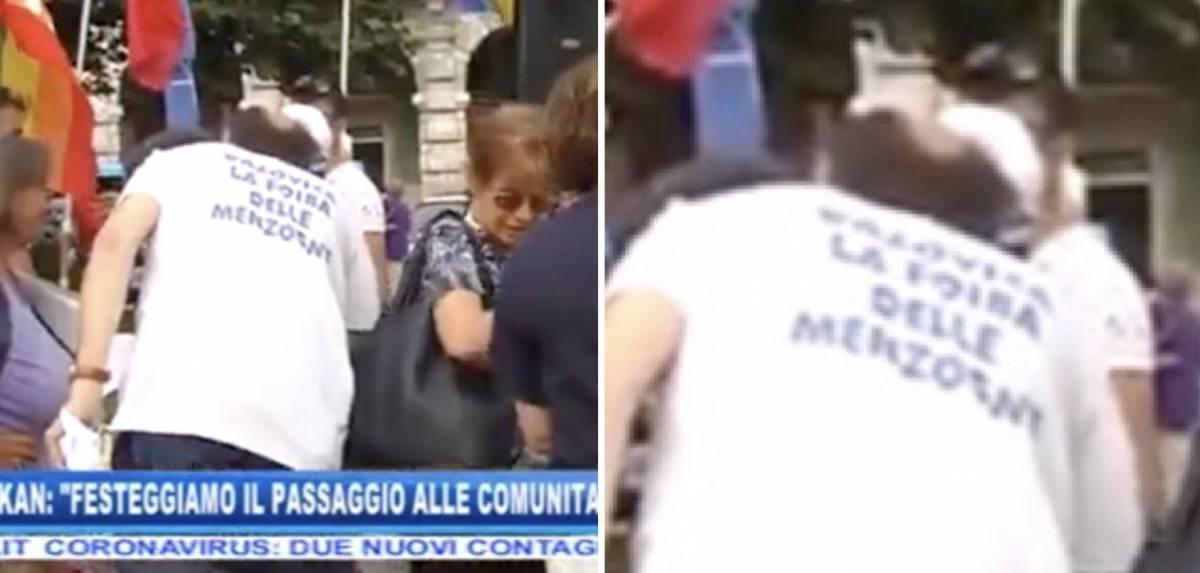 """""""Foiba delle menzogne"""". Ecco la maglietta choc al presidio antifascista"""