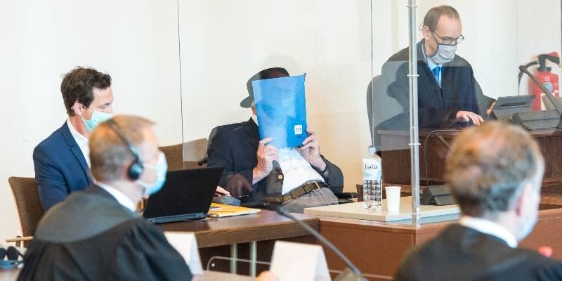 La condanna dell'ultimo nazista oggi 93enne. Guardia di un lager a 17 anni: non va in cella