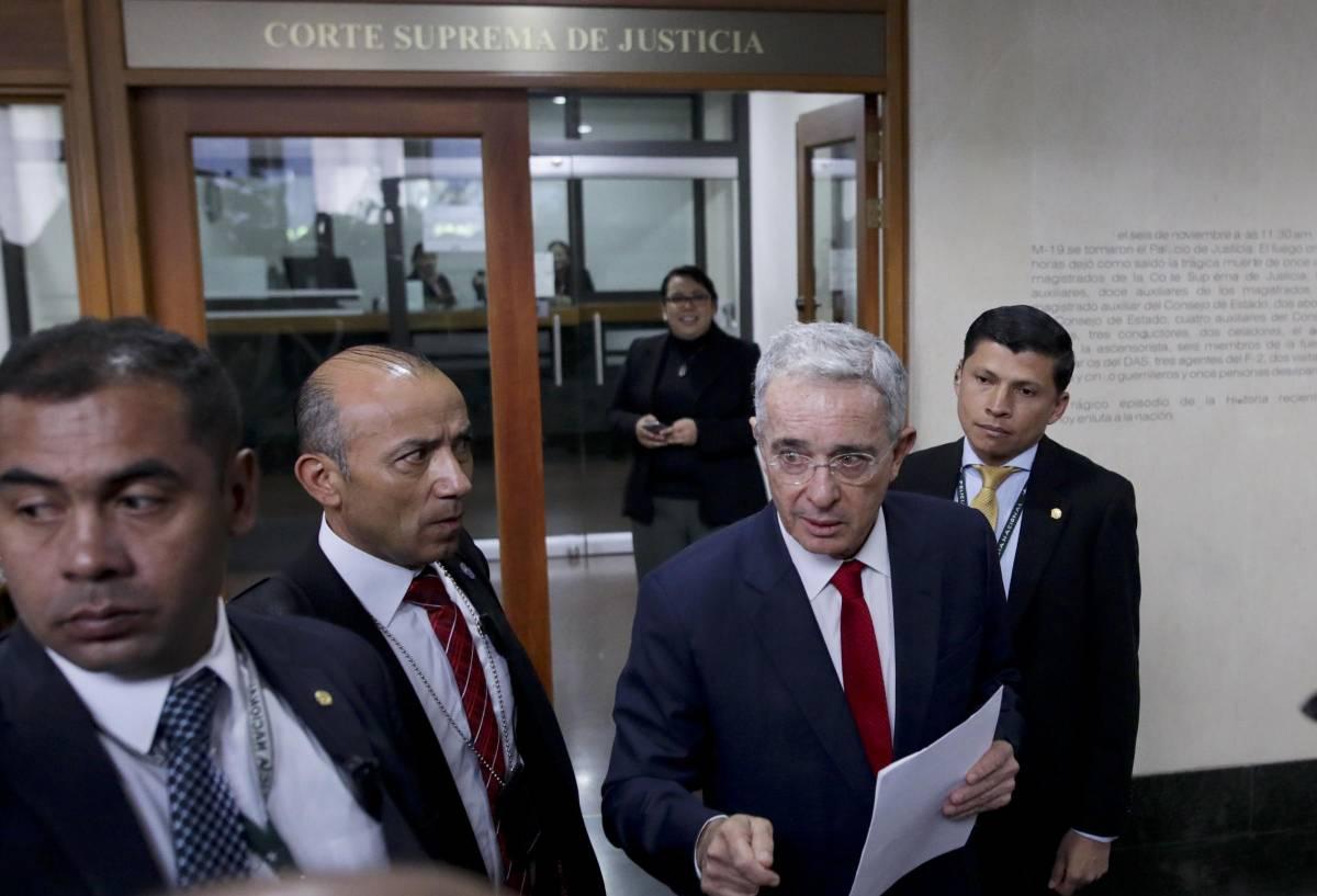 Colombia, il mito anti narcos in arresto. E rischia quattro anni per corruzione