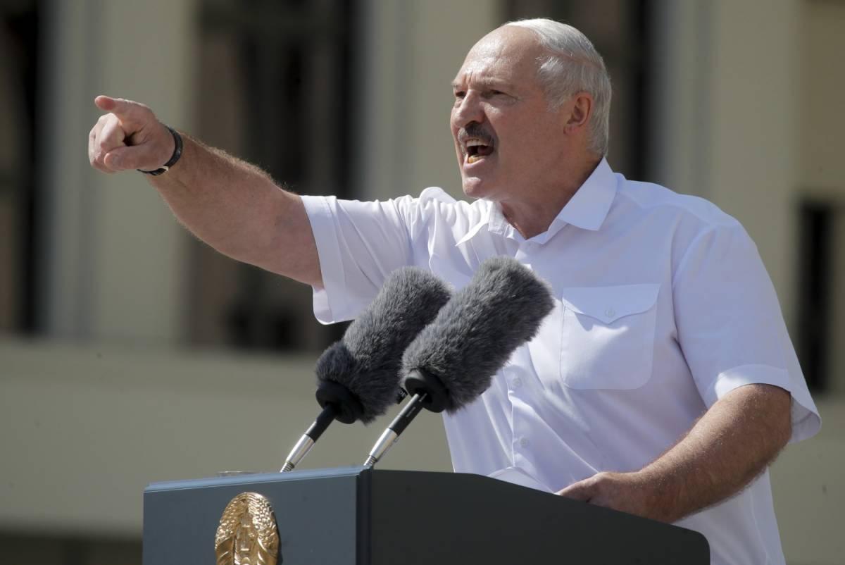 Il mondo con i bielorussi Putin con Lukashenko