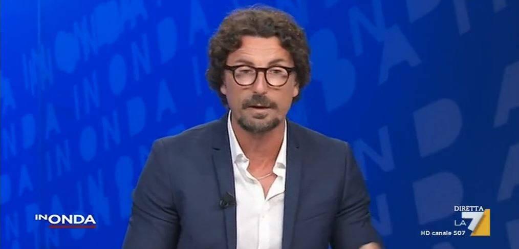 """Il ritorno di Toninelli: """"Reddito di cittadinanza? Evitato sommosse"""""""