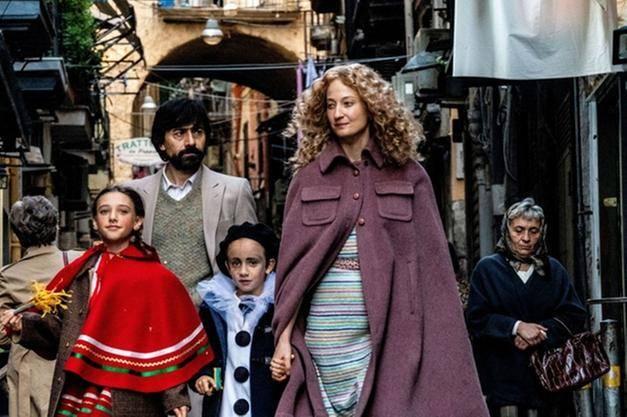 """Il Festival di Venezia si apre con """"Lacci"""" di Daniele Luchetti"""