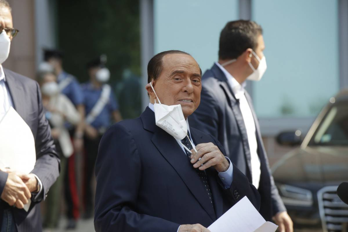 Niente vertice tra i tre leader. Berlusconi avverte i populisti
