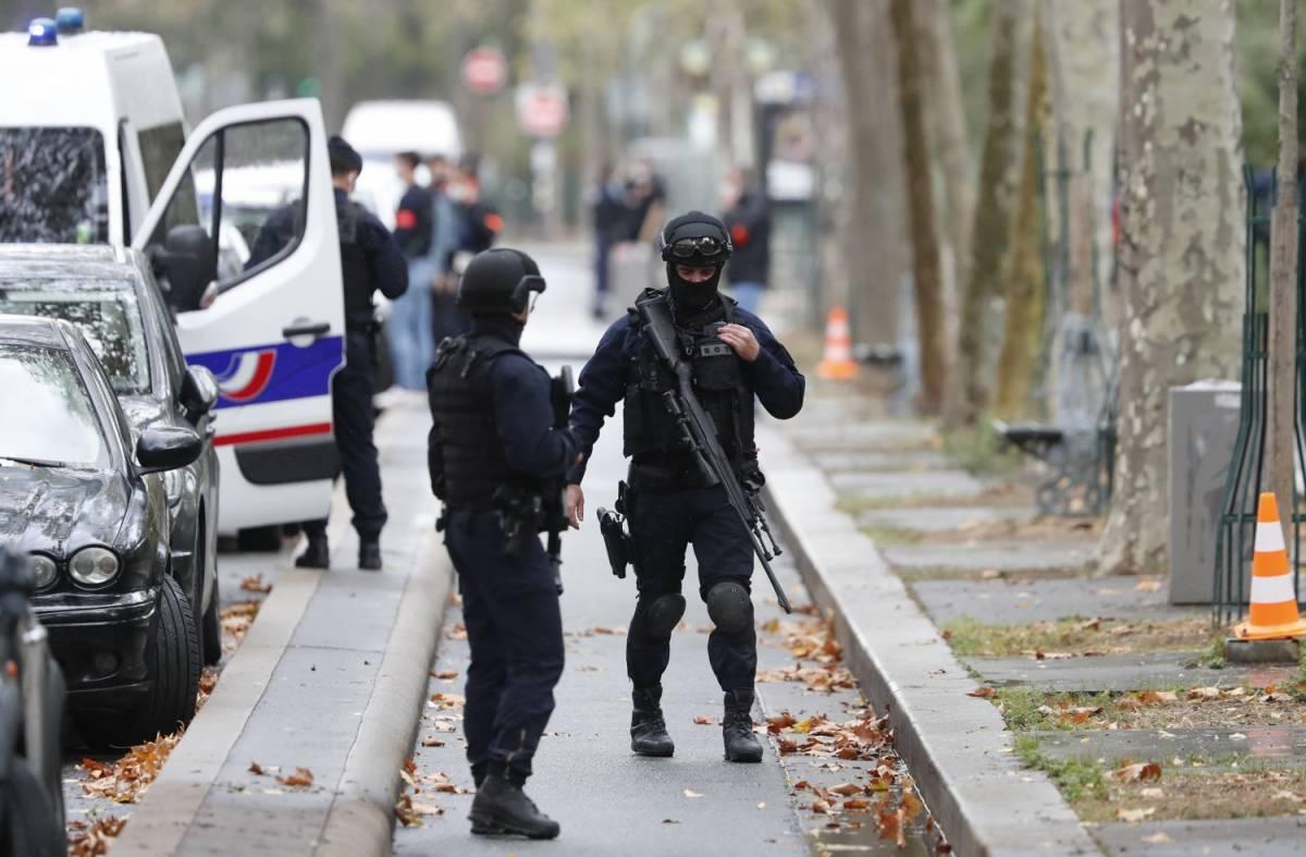 """L'ex 007 di Parigi: """"Leggi più dure contro l'islam o sarà sottomissione"""""""