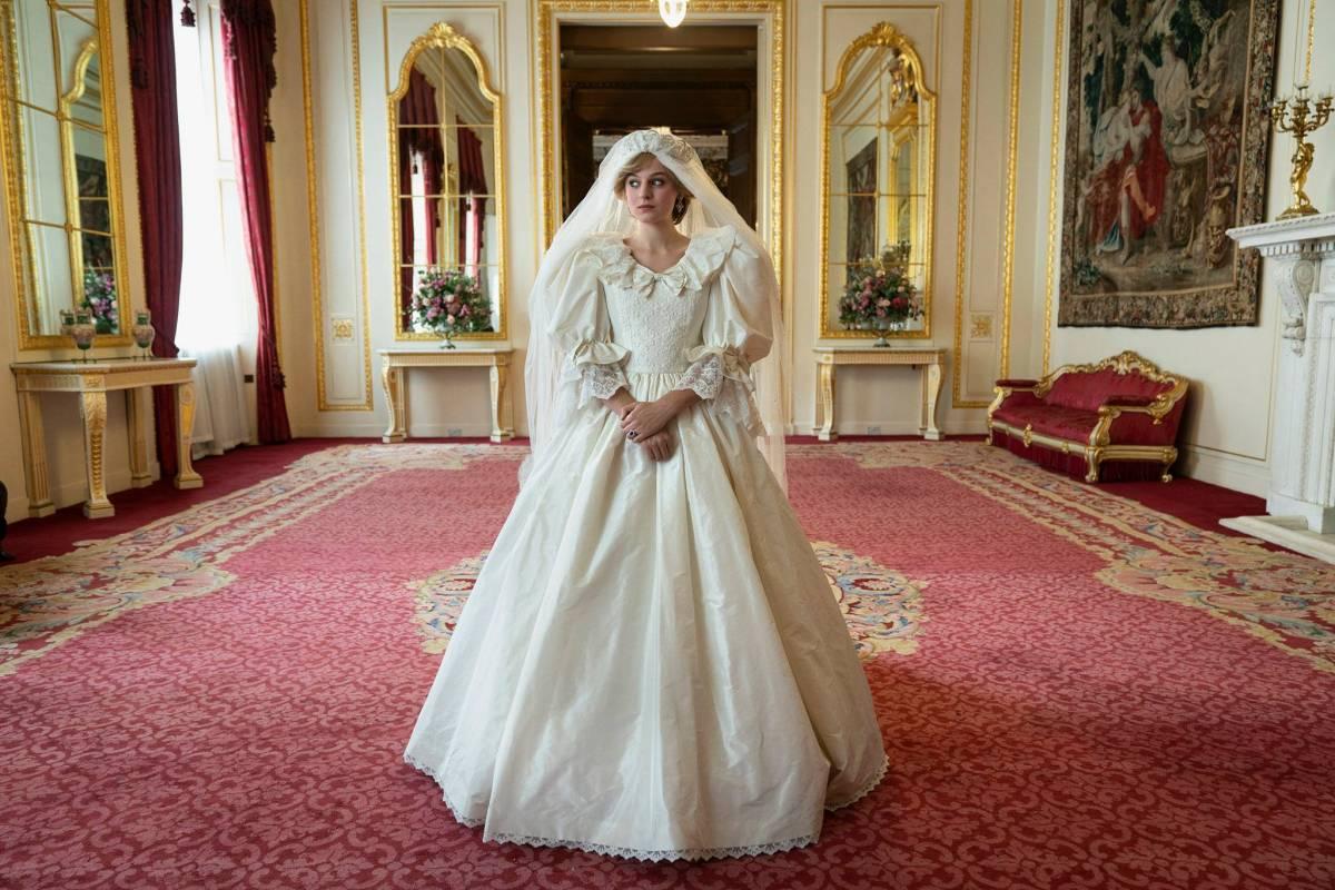 Il mito di Lady Diana rivive con The Crown. Torna la serie tv sui reali inglesi