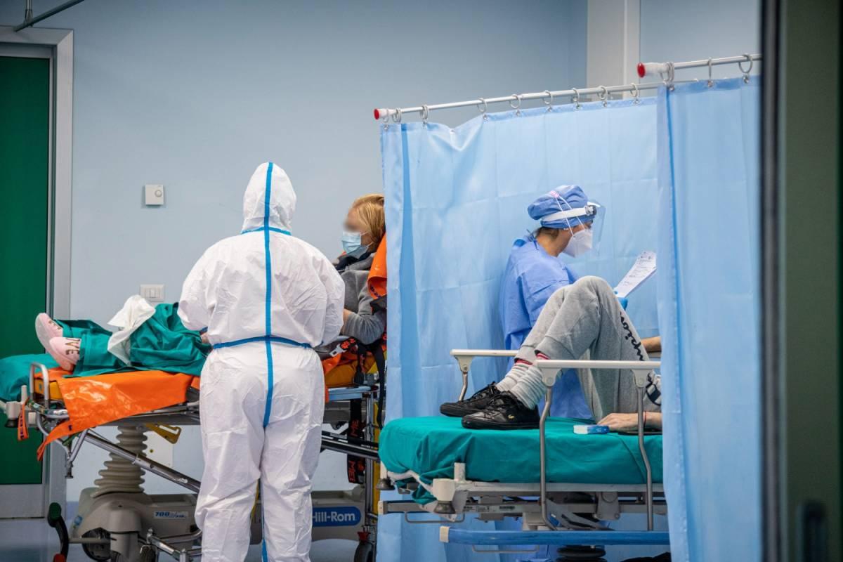 """Cosa non torna sui ricoveri: """"Il 30% in ospedale per paura"""""""