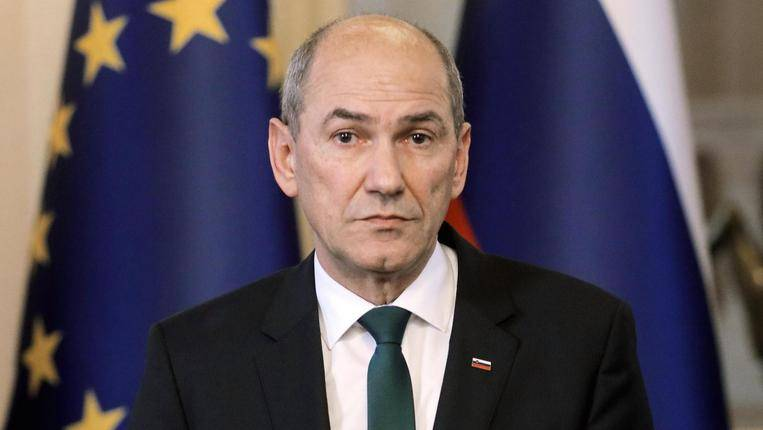 La Slovenia chiude i confini agli italiani:  solo transito