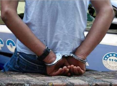 """""""Stufo di nascondermi"""". Puscher marocchino (arrestato 20 volte) si costituisce alla polizia"""