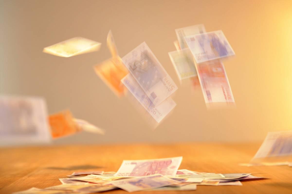 Costi, prelievi e pagamenti: ecco il 2021 dei conti correnti