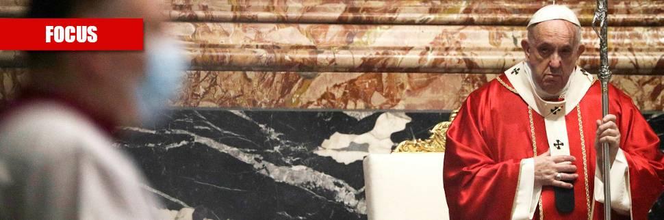 """Una Chiesa piena di scandali: ecco gli """"incubi"""" di Francesco"""