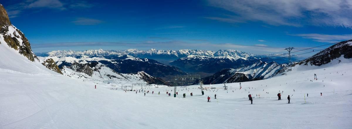 Sulla neve anche d'estate: così si torna a sciare