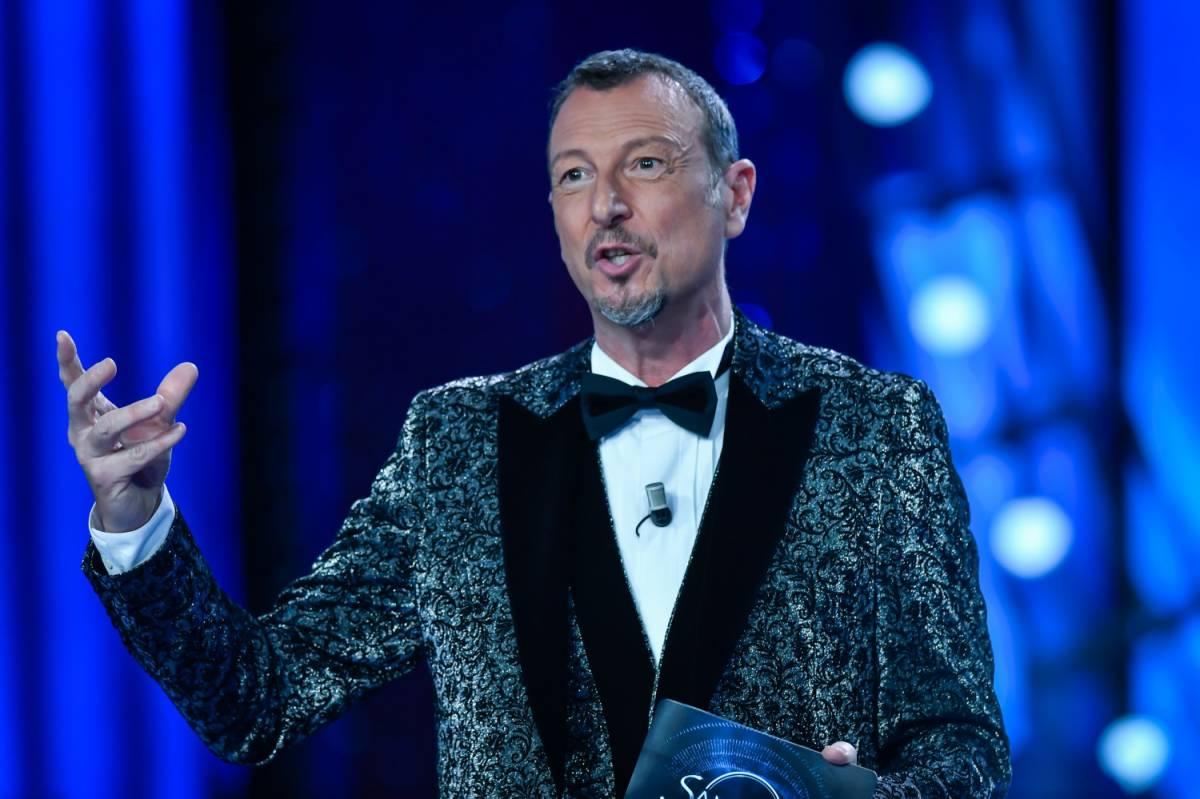 """Sanremo, adesso Amadeus tuona """"O si fa a marzo o tra un anno..."""""""
