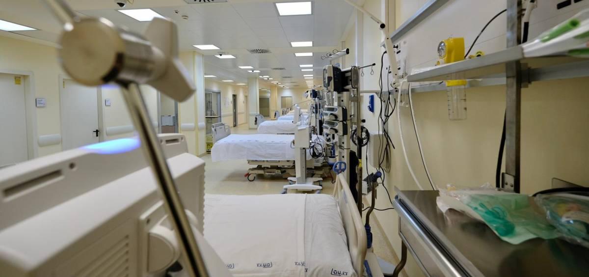 i 16 letti  di terapia intensiva inaugurati da Emiliano