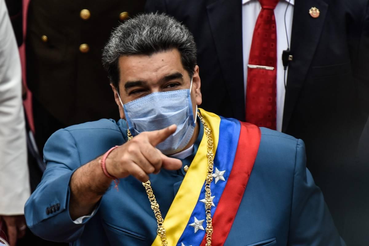 """""""Maduro è un dittatore"""". La beffa degli hacker all'aeroporto di Caracas"""