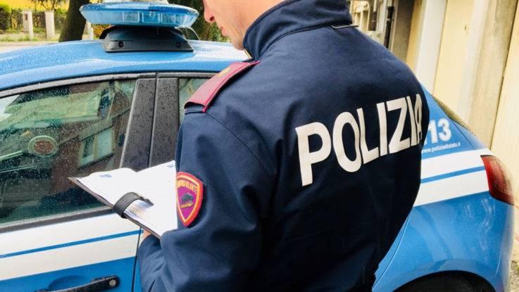 Migrante positivo al Covid morde il vigilante per fuggire dopo il furto