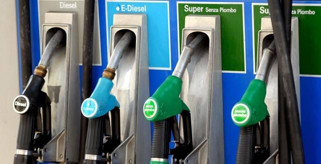 Quanto costerebbe un litro di benzina senza le accise?