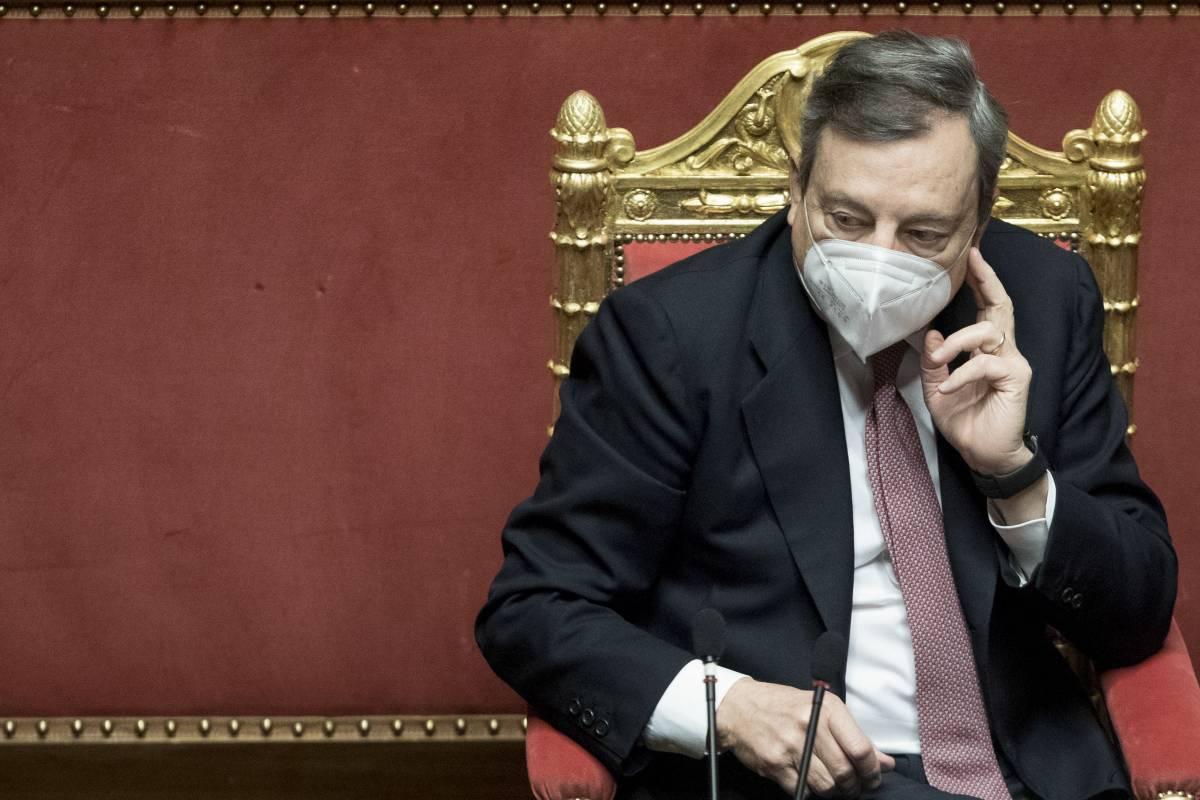 """I tecnici da Draghi: """"Rigore e prudenza"""". Ma la politica spinge per ripartire"""