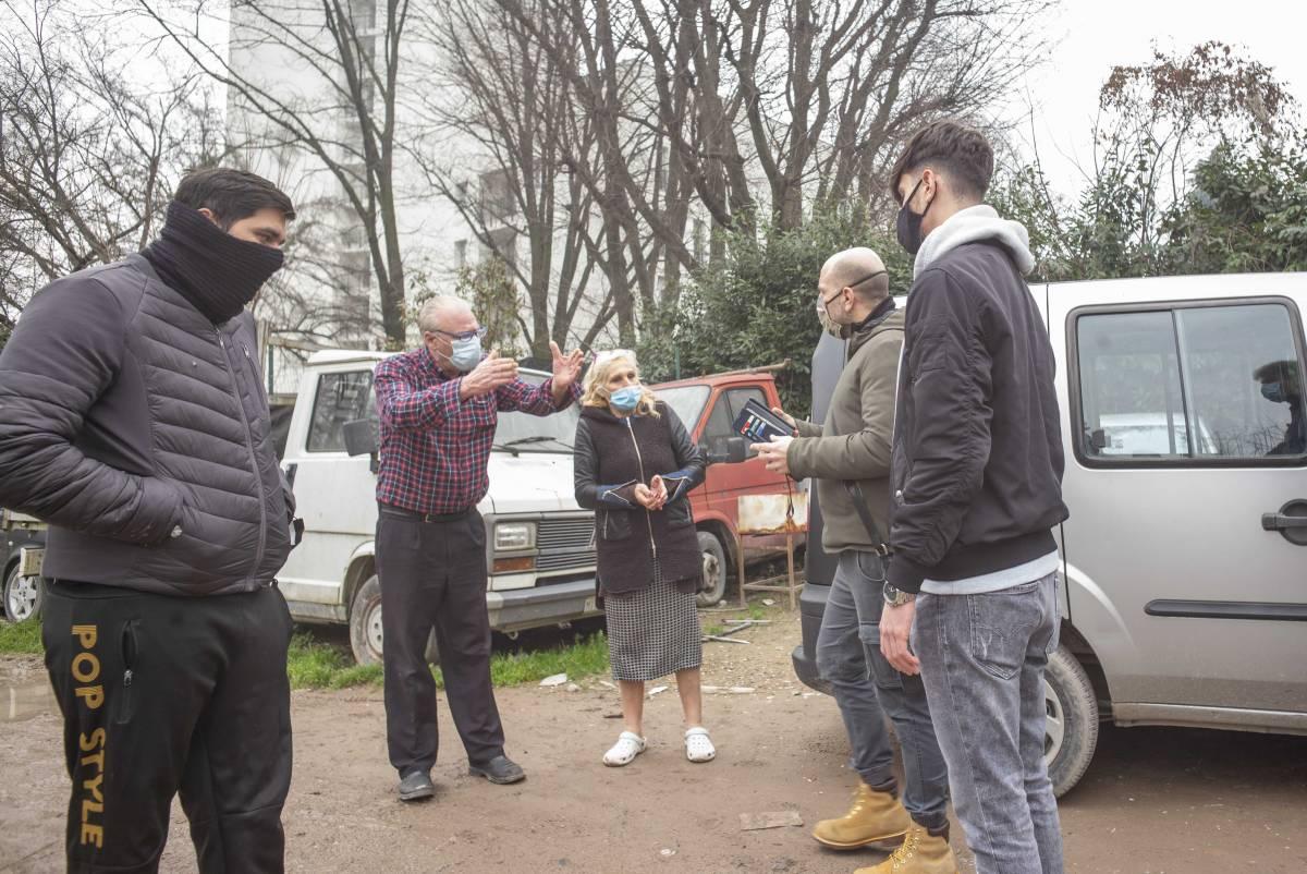 """""""Circondati e ripetutamente minacciati"""", la denuncia della Lega al campo nomadi"""
