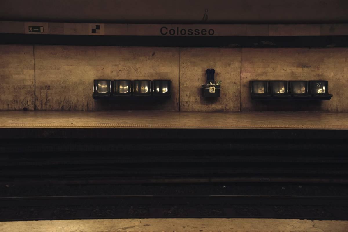 La banda di rom minorenni incubo dei turisti in metro
