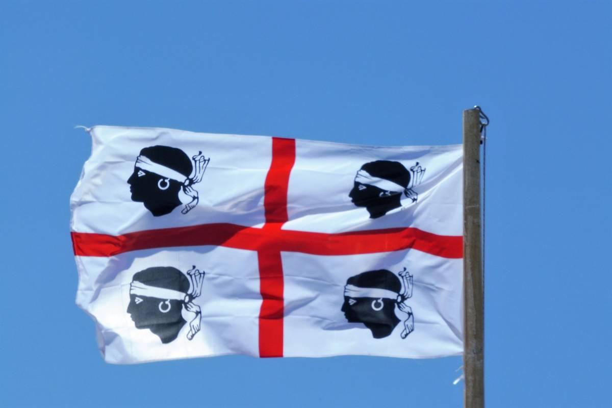 Paradosso Sardegna, l'isola ha paura dei turisti. In migliaia firmano la petizione contro gli arrivi