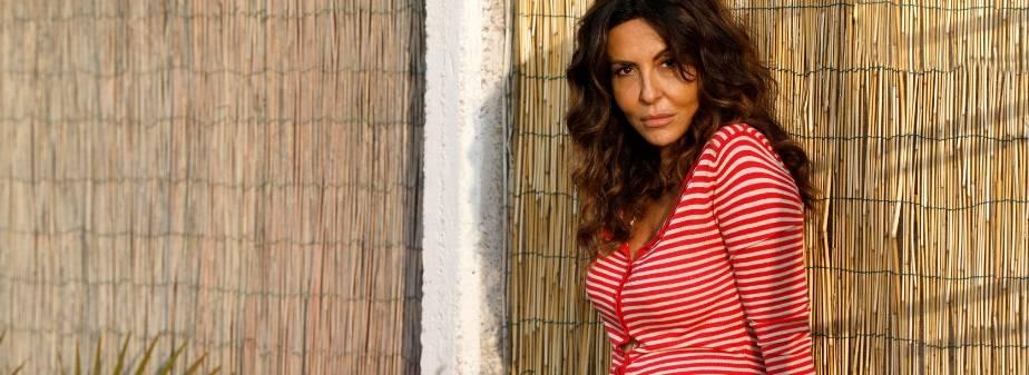 """Sabrina Ferilli è una """"mamma d'acciaio"""" che combatte per la salute della figlia"""