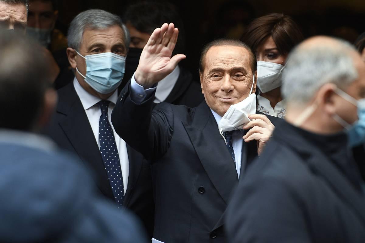 """L'""""Utopia"""" diventa realtà. Ecco l'avventura più folle di Silvio Berlusconi"""