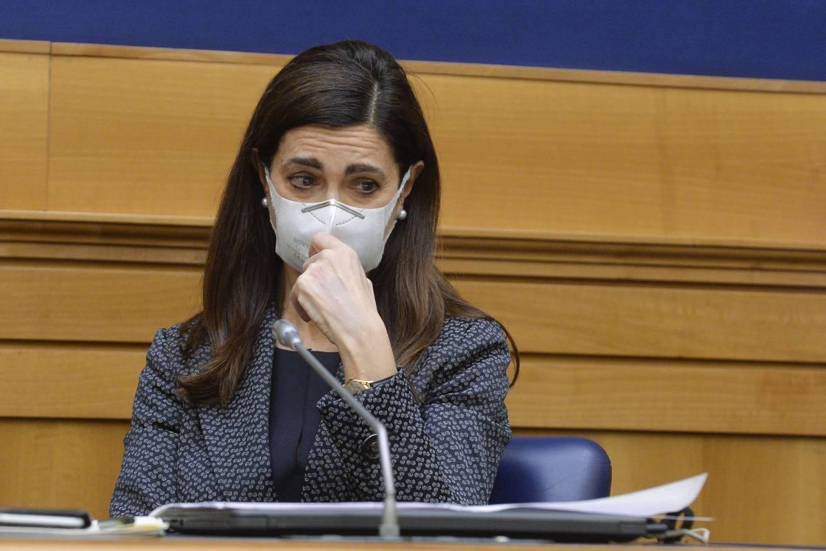 """La Boldrini bacchetta gli Azzurri: """"Inginocchiatevi"""""""