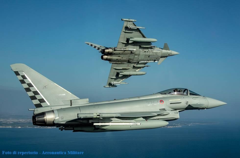 Due caccia Eurofighter Typhoon del 37esimo Stormo di Trapani-Birgi