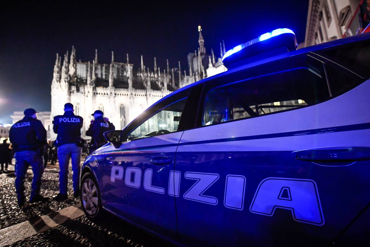 Orrore nel Napoletano, 24enne accoltellata muore in ospedale
