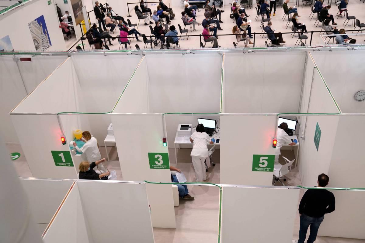 Lombardia da record: vaccinati otto su dieci e pronti per terza dose