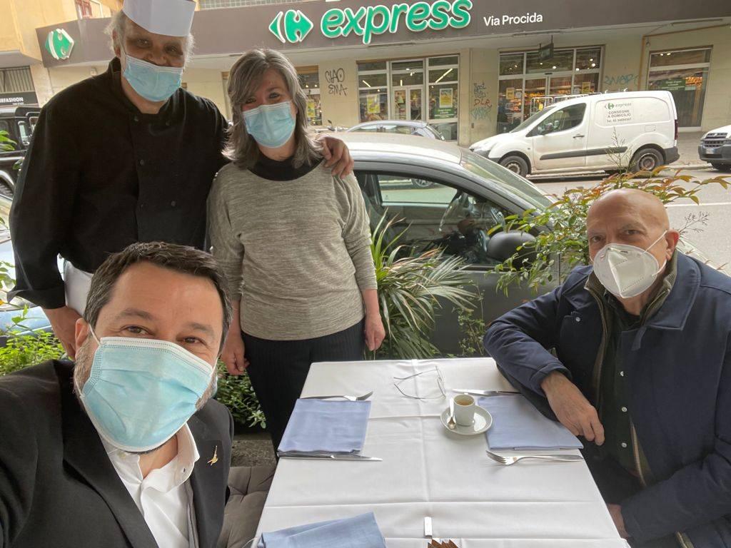 """Salvini gli offre il caffè e punta su Albertini. """"A maggio la decisione"""""""