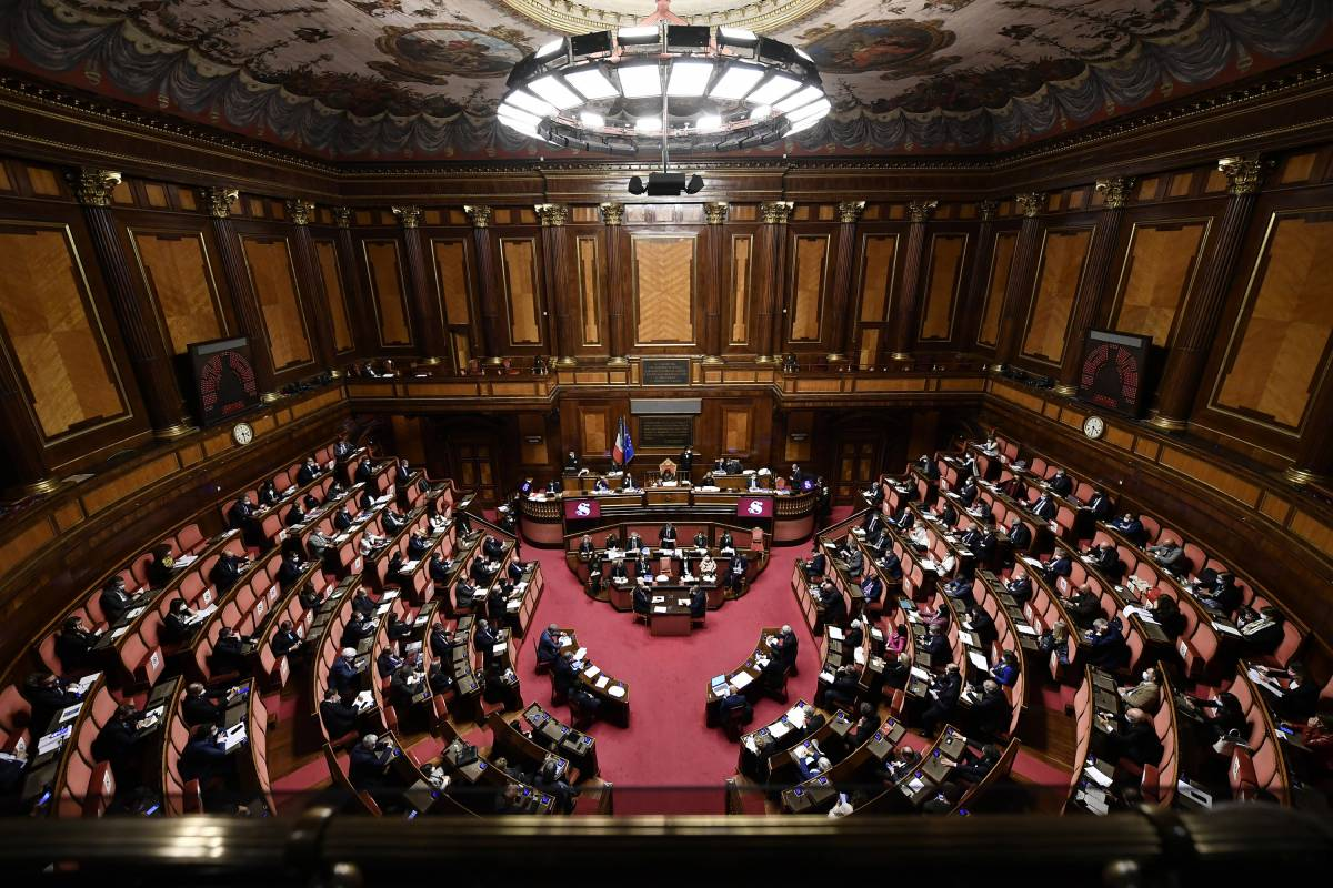 Riforme, via libera del Senato al voto per i 18enni
