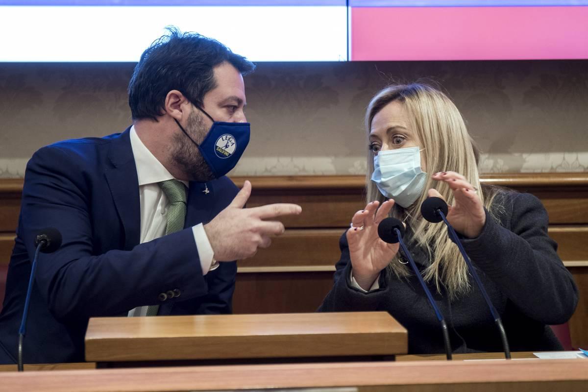 I grillini all'assalto di Meloni e Salvini. Ma ora rischiano il boomerang