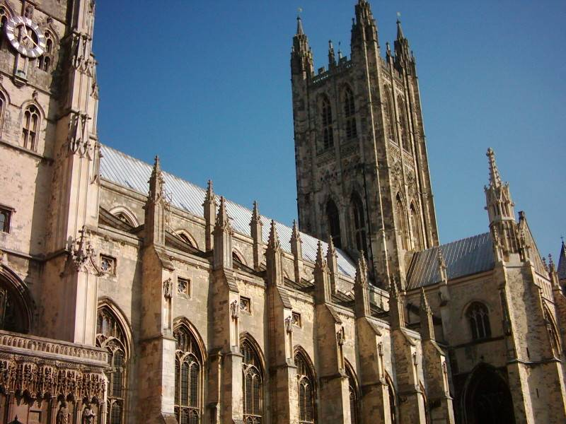 """Regno Unito, la Chiesa pronta a cancellare i monumenti """"razzisti"""""""