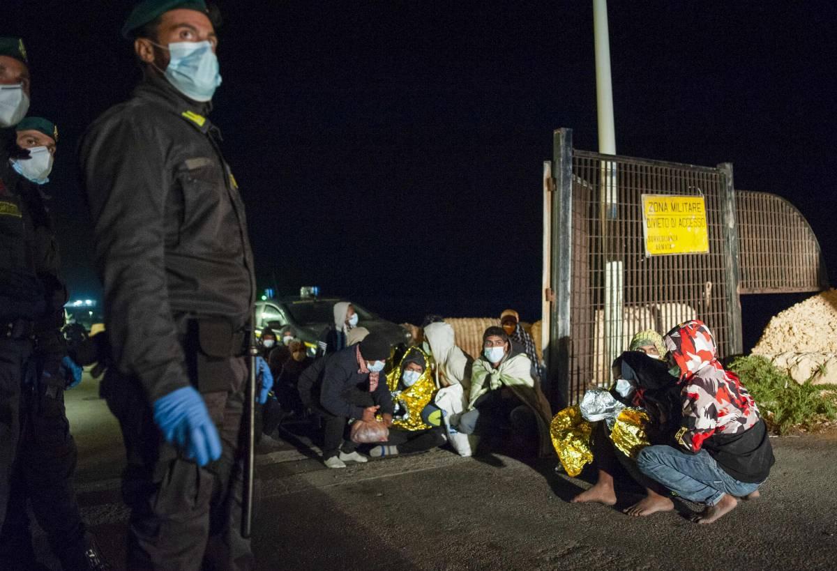 Altro che accoglienza: Lampedusa è un inferno