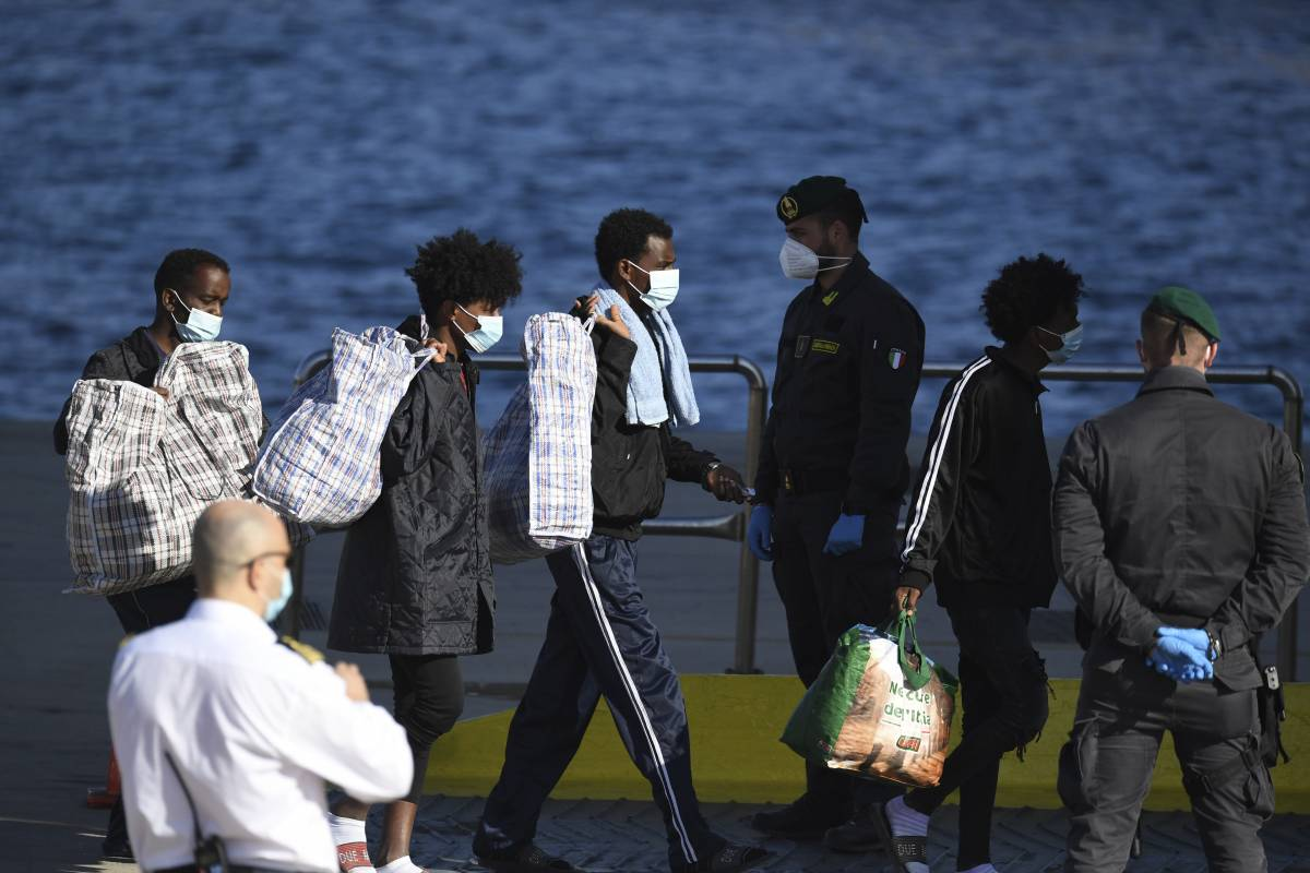 Un'ondata di migranti in arrivo: i numeri che fanno paura
