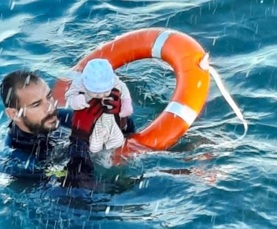 Ecco cosa si nasconde dietro la foto simbolo della crisi dei migranti