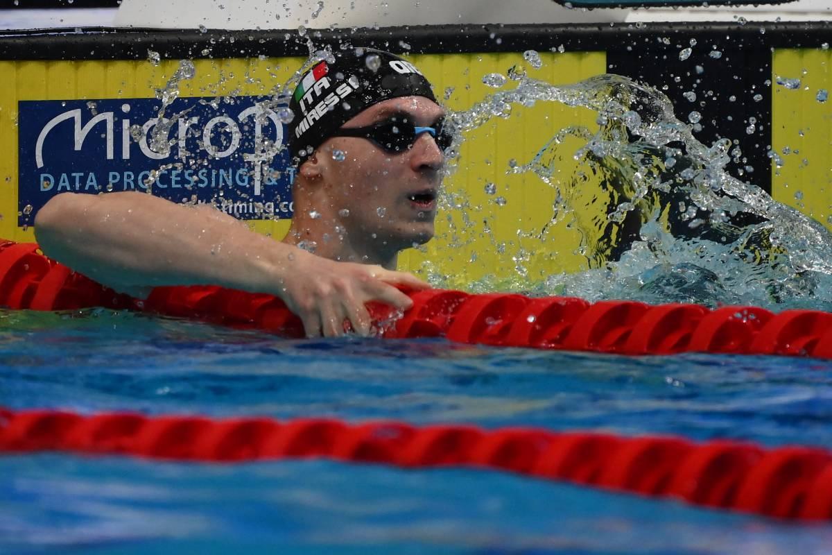 Nuoto, piovono medaglie. Manca solo l'oro. Però oggi abbiamo Fede