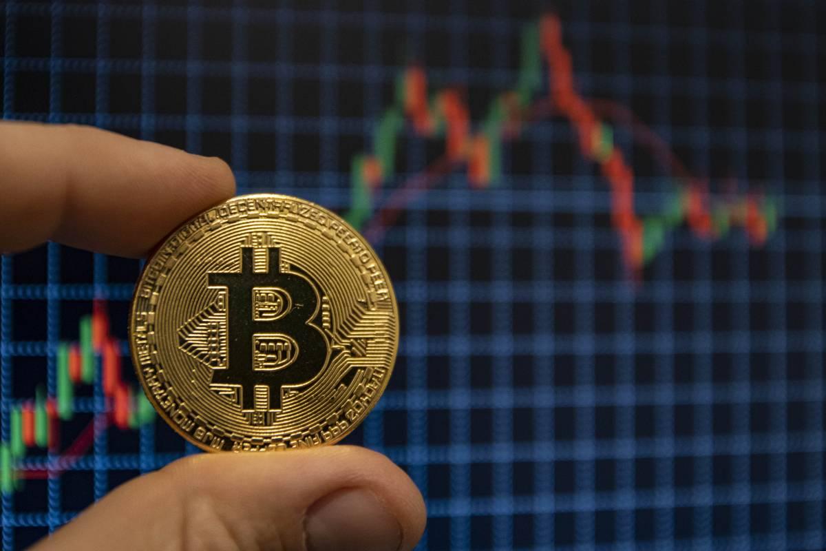 """La Consob stanga i bitcoin: """"Una minaccia al risparmio"""""""