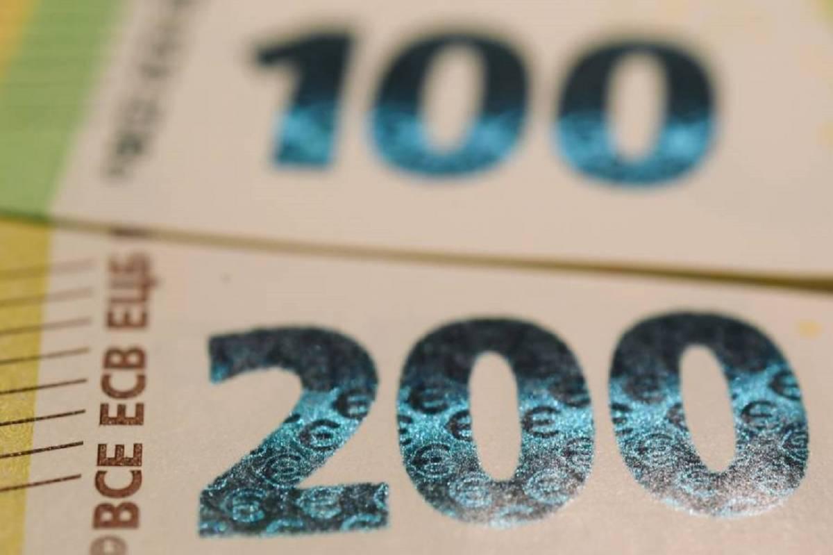 """Rivoluzione tasse: addio al """"superbollo"""""""