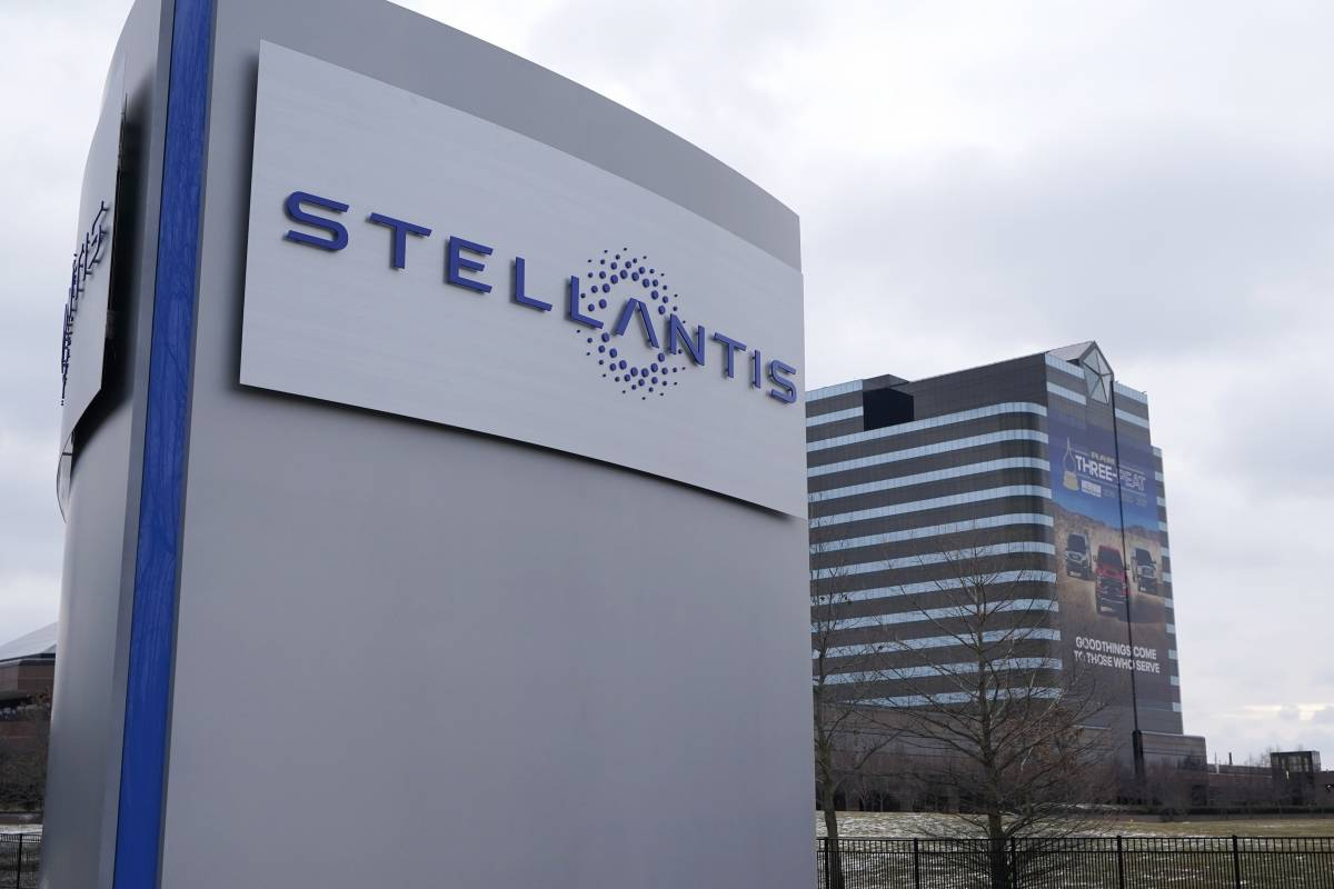 Stellantis ridisegna i concessionari nella Ue