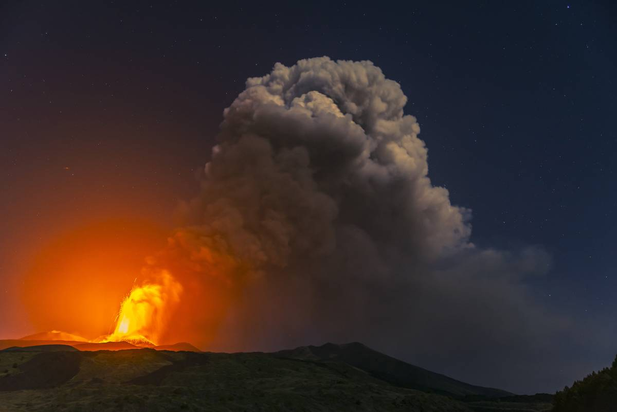 L'Etna fa paura: fontane di lava alte fino a 7 km