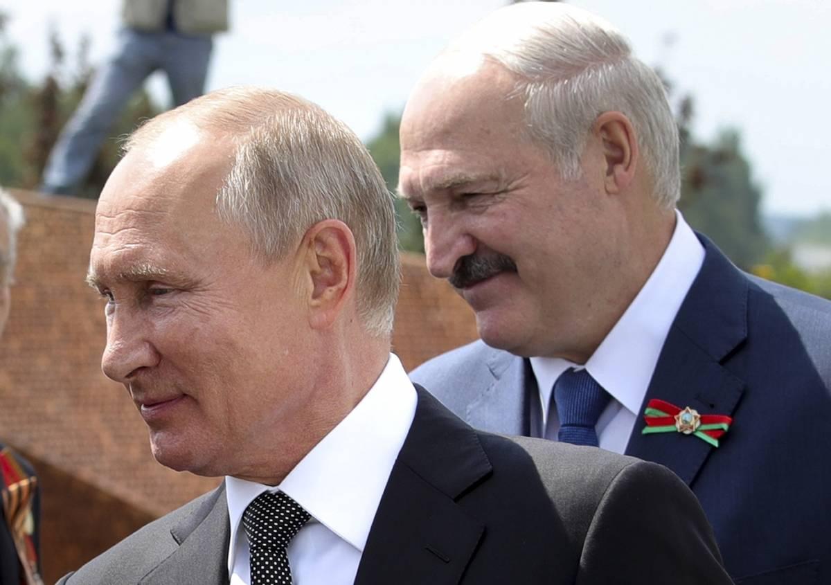 Lukashenko sequestra un altro giornalista. Dal patto con Putin ecco 500 milioni