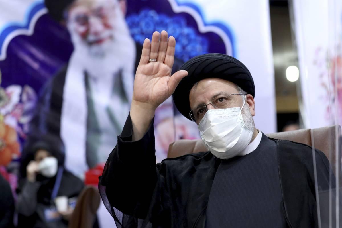Eliminati dal voto i candidati riformisti. L'Iran rischia un'altra rivolta popolare