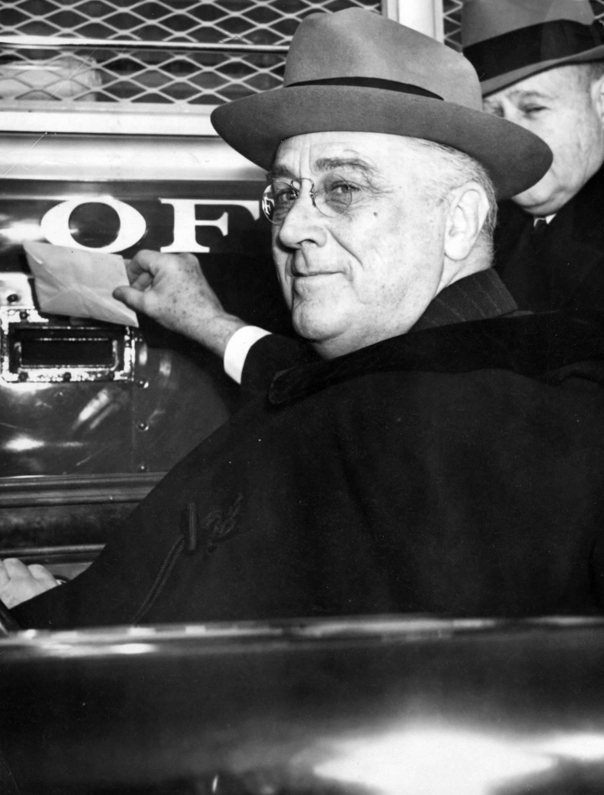 """Il """"New Deal"""" di Roosevelt? Antiliberale, anzi fascista"""