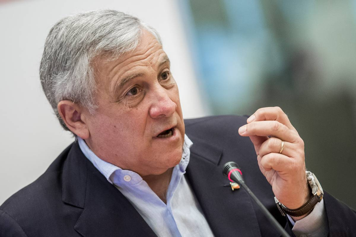 Minacce a Tajani, la solidarietà da Fi. Ordigno contro Musumeci: fatto brillare