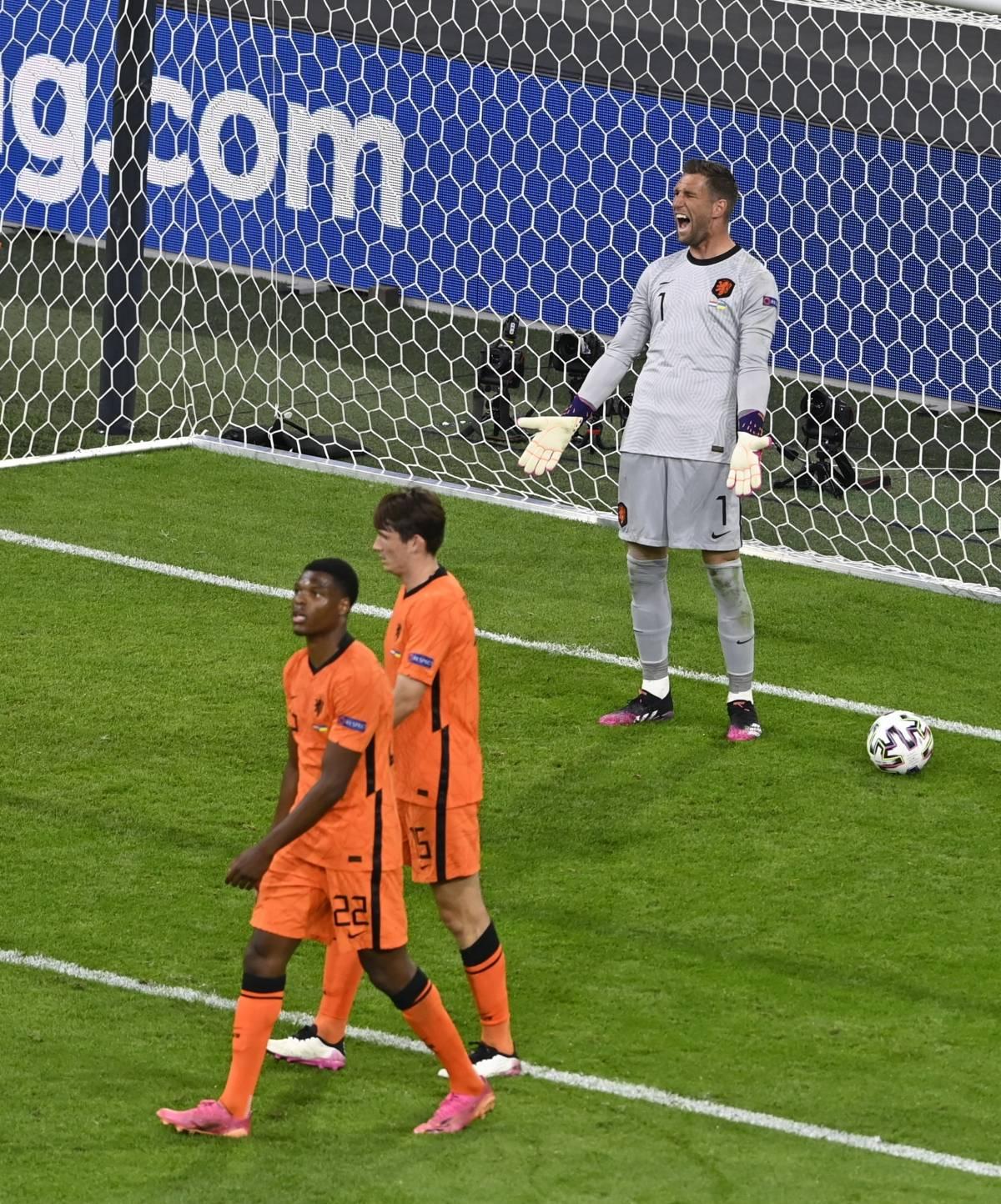 """L'Olanda oltre la storia. Il De Boer alla """"Conte"""" si salva contro Sheva"""