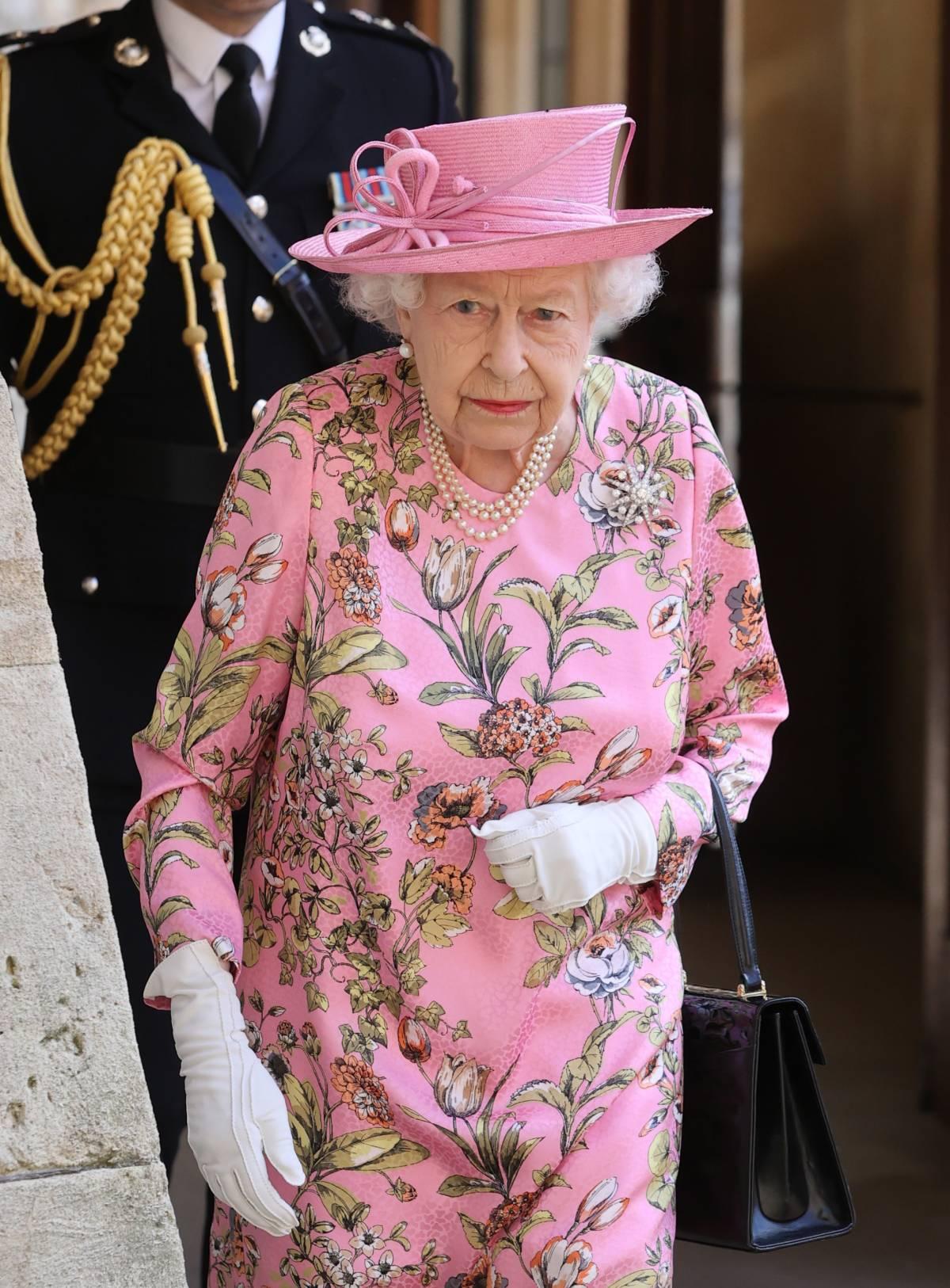 "La regina Elisabetta risponde a Harry: ""Basta menzogne"""