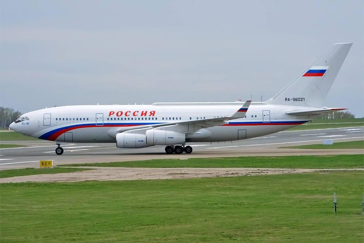 Bagni laccati in oro e palestra: ecco l'aereo di Putin da 450 milioni di euro